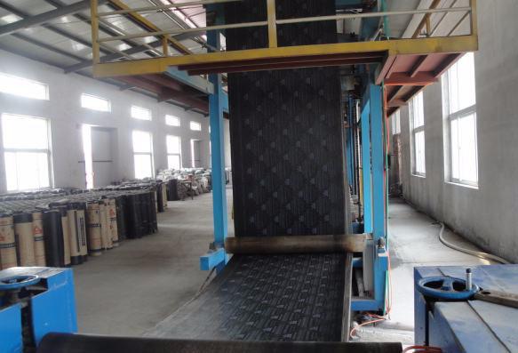 SBS防水卷材生产车间